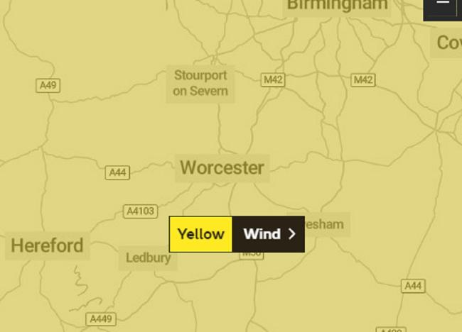YELLOW: Weather warning as 'very strong' winds set to disrupt Worcestershire