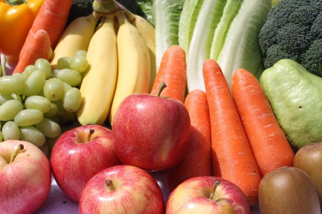 Can I catch coronavirus from unwashed fruit and veg?