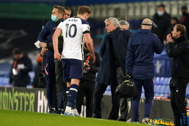 Harry Kane leaves the field