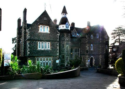 REPORT: Abbey College, Malvern Wells... failings in welfare and safety.