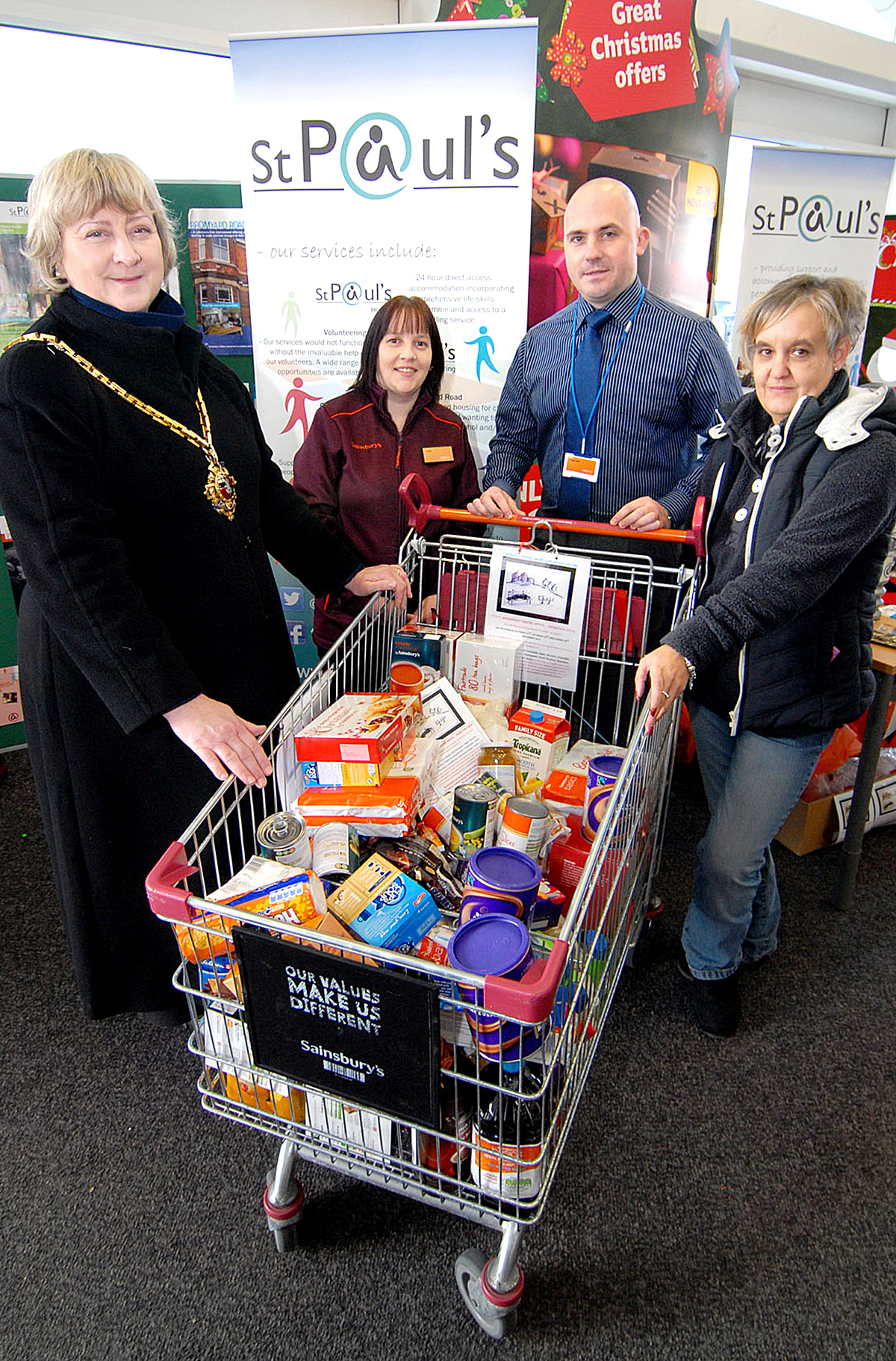 KINDNESS: From left, Pat Agar, Louise Shaw, Darren Bodycote, both of Sainsbury's, and Lisa Richards of St Paul's. BUY: worcesternews.co.uk/pictures/sales. 4713459101
