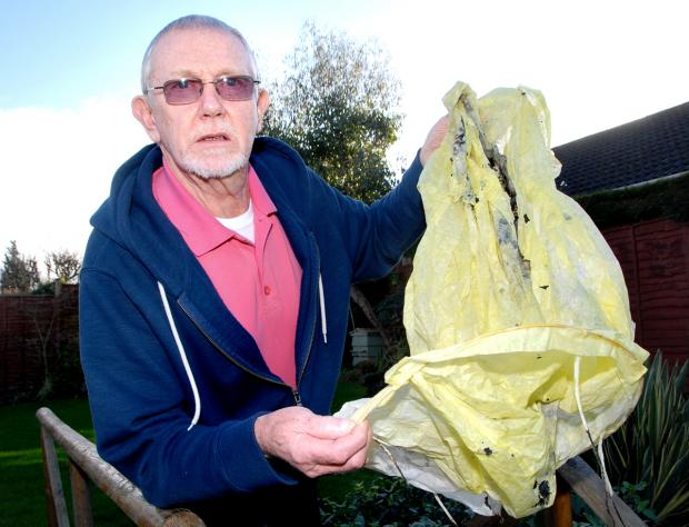 Couple in call to ban Chinese lanterns