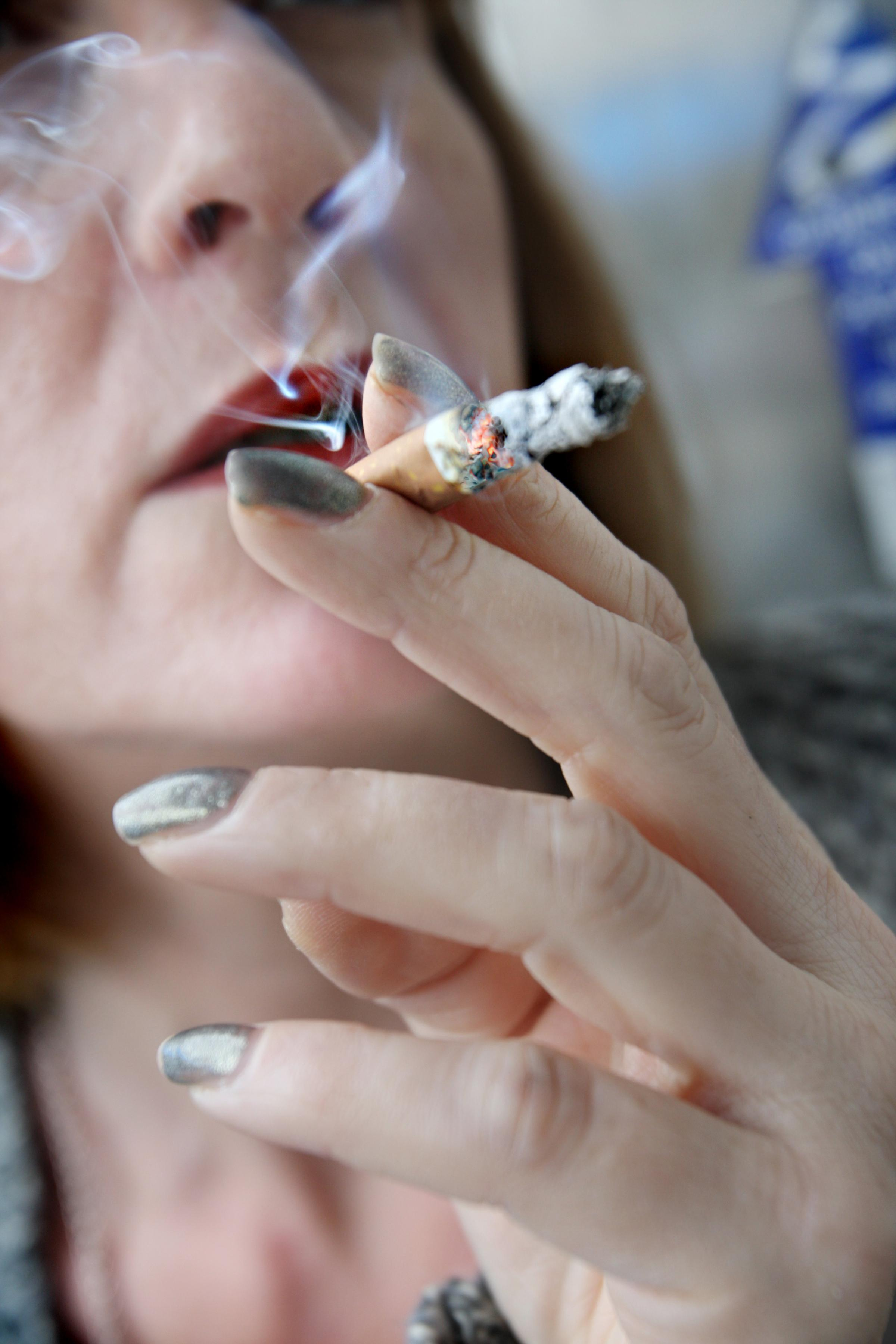 Plunge in smoking rates across Worcestershire welcomed by council