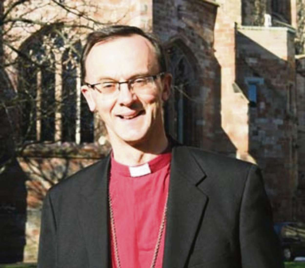 The Bishop of Worcester, Dr John Inge, backed the vote to allow women bishops in the Church of England.
