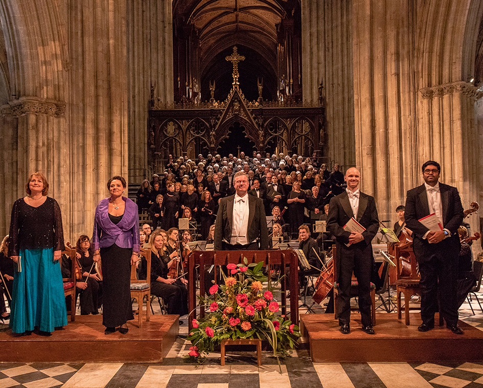 Worcester Festival Choral Society at Worcester Cathedral: Poulenc Gloria / Vaughan Williams Hodie