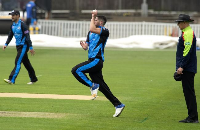 Worcestershire's Wayne Parnell in action. Picture: PAUL FRANCE/WRITE ANGLE MEDIA